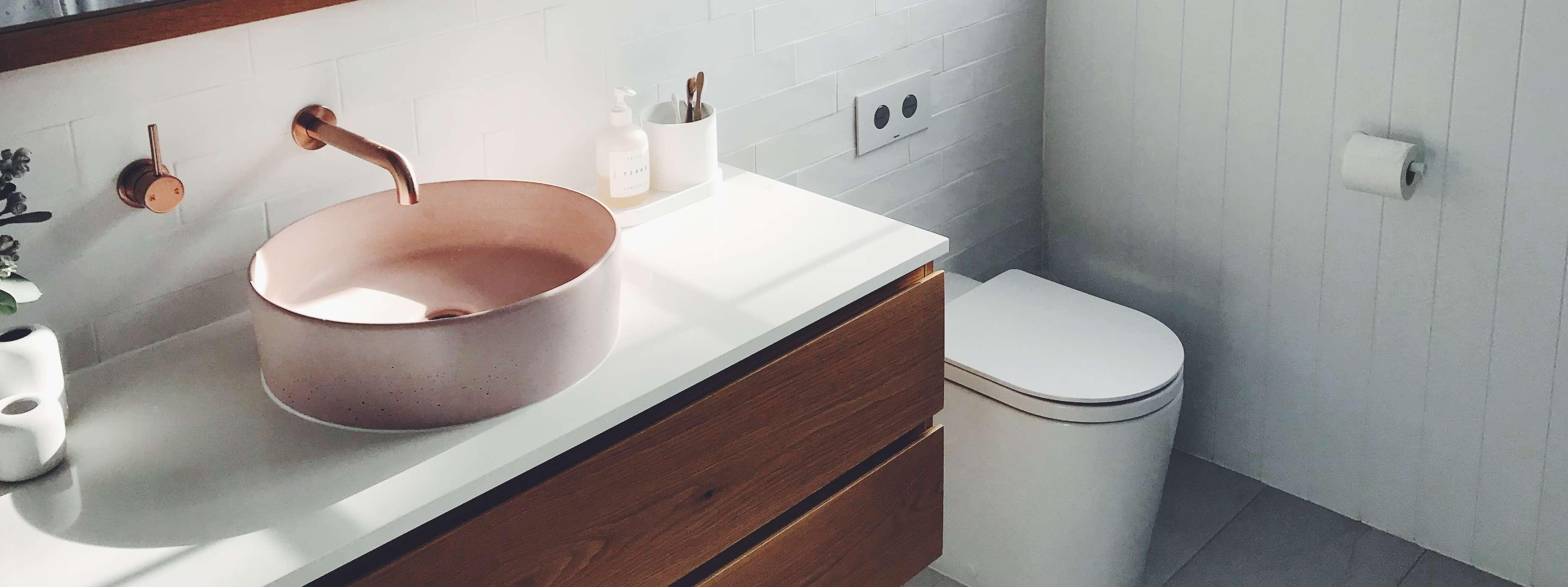 WC, lave-mains et évier