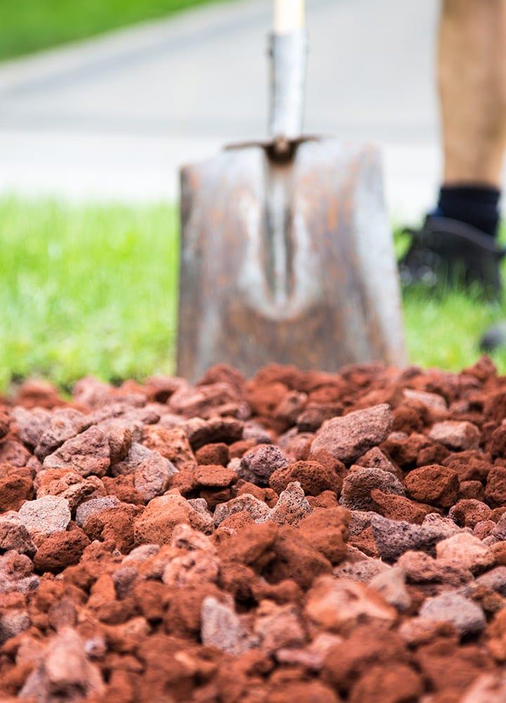 paillage minéral pouzzolane pour plantations