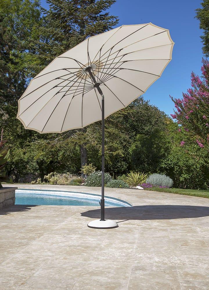 parasol inclinable pour protection du soleil