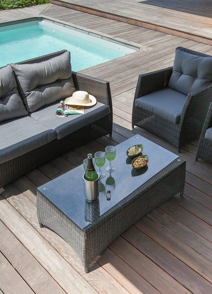 table et fauteuils de jardin