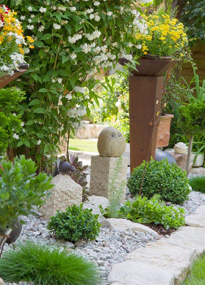 sculptures minérales de jardin